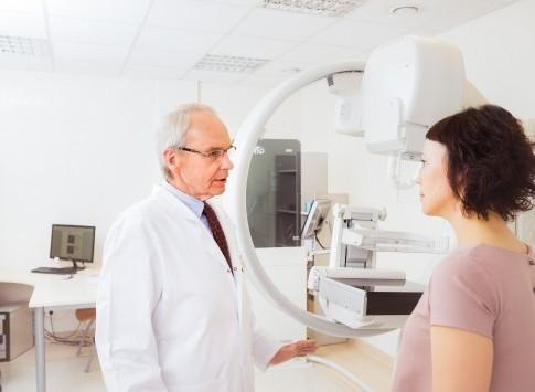 Plačioji programa moterims, be papildomų akių tyrimų, rekomenduojama nuo 40 m.
